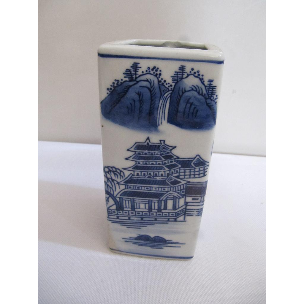 "6""""BLUE & WHITE VASE YC8361"